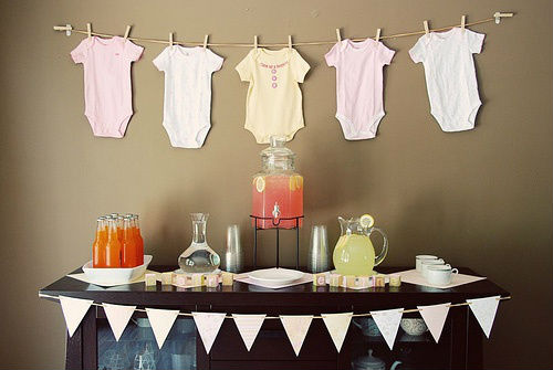 clothesline baby shower theme